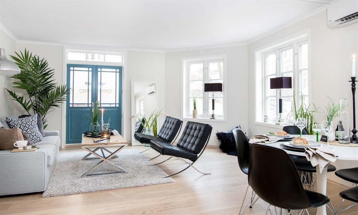 Lys stue med mørke detaljer - Pene Rom, Norsk boligstyling